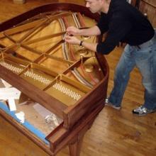 sean-piano